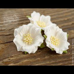 Роза двуслойная белая 4 шт